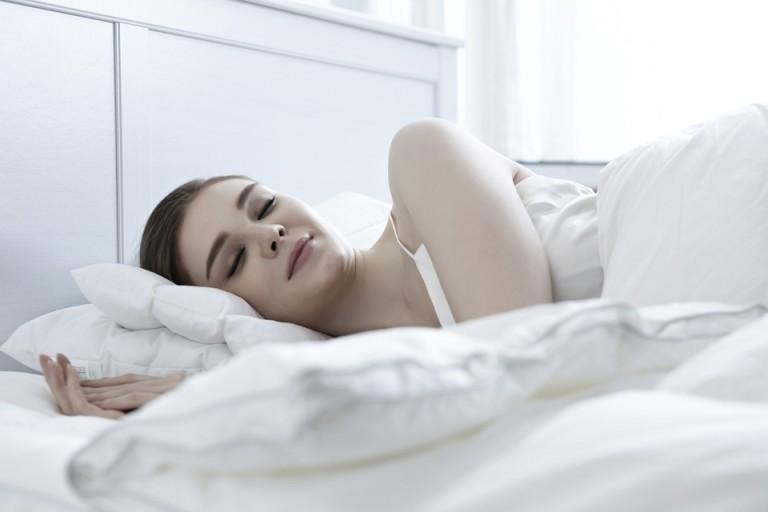 Sen jest ważniejszy, niż mogłoby się wydawać. Co więc robić, by się wysypiać?