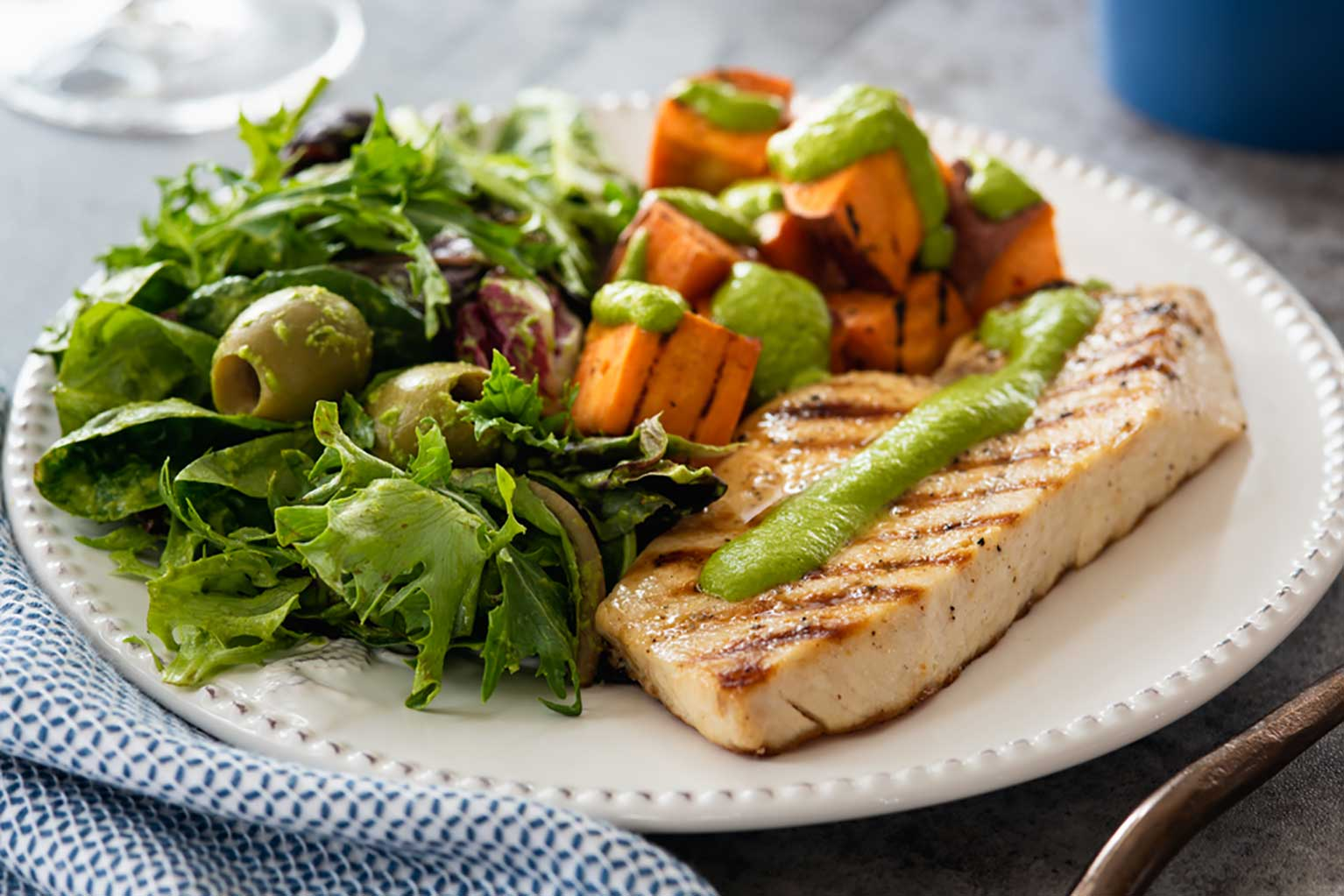 Grilled-swordfish-with-sweet-potatoes-&-side-salad