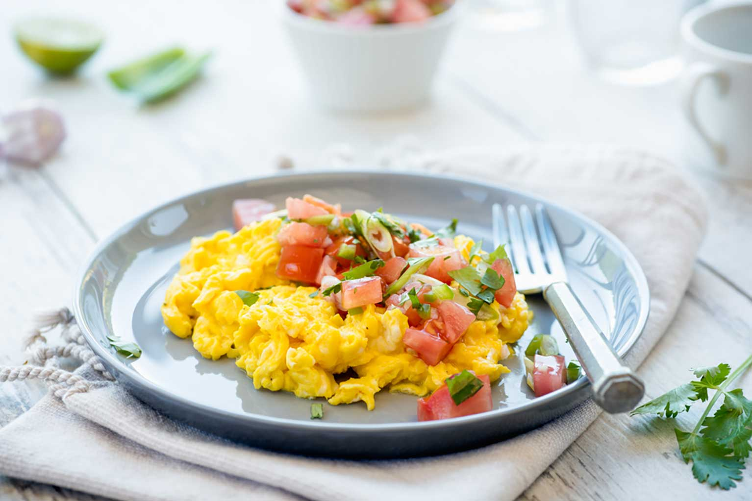 Fresh-salsa-scrambled-eggs