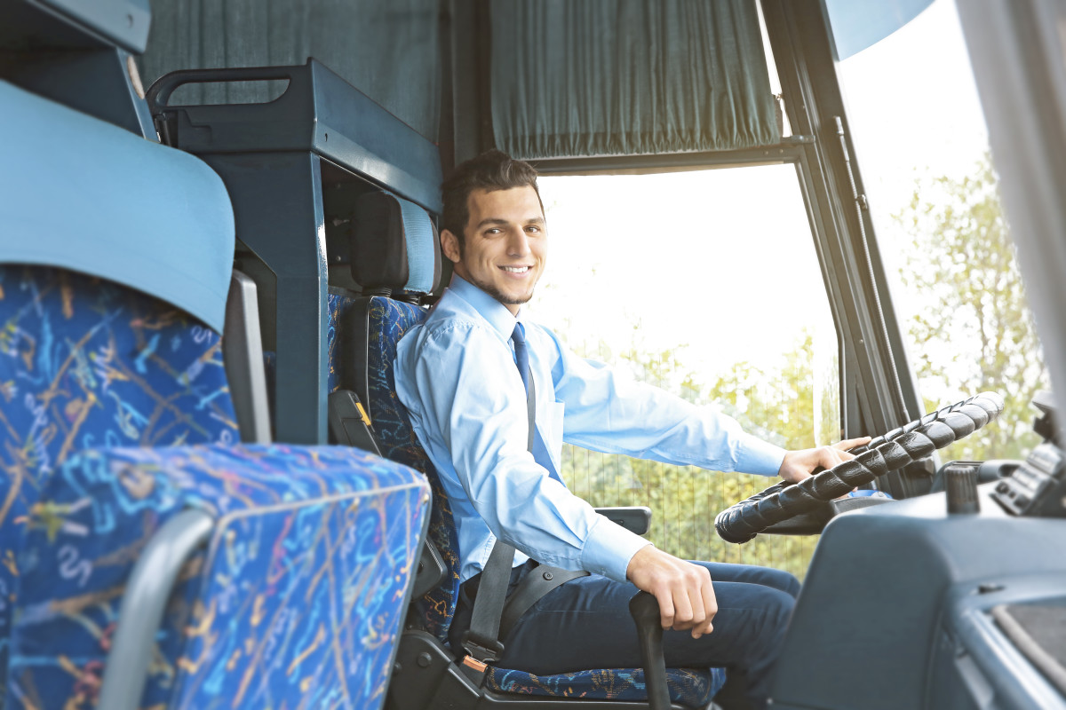 Pausenregelung für den Reisebus - Busfahrer im Reisebus