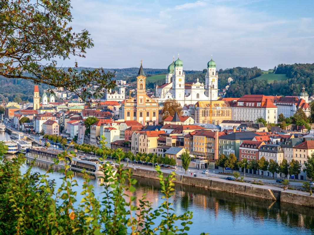 Mit Snapbus einen Bus bei einem Busunternehmen in Passau mieten.
