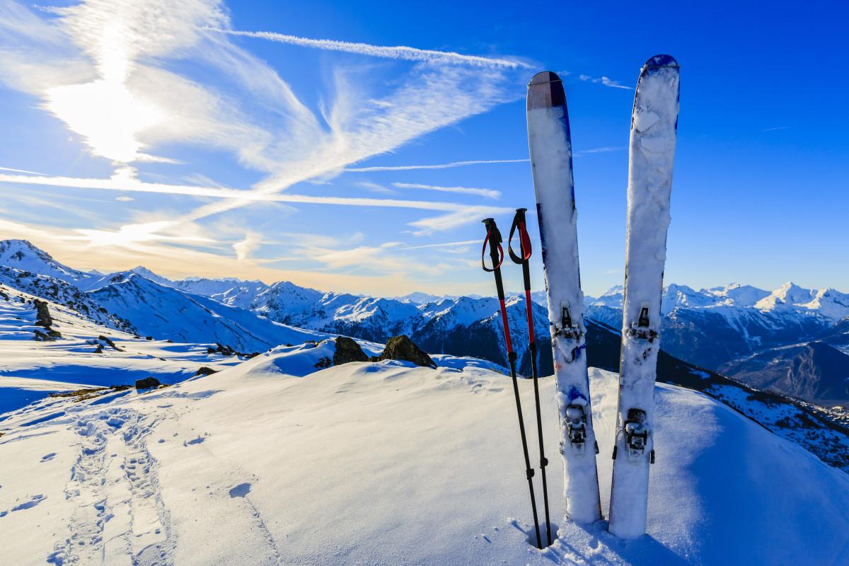 Miete jetzt einen Bus zu einem Skigebiet Deiner Wahl