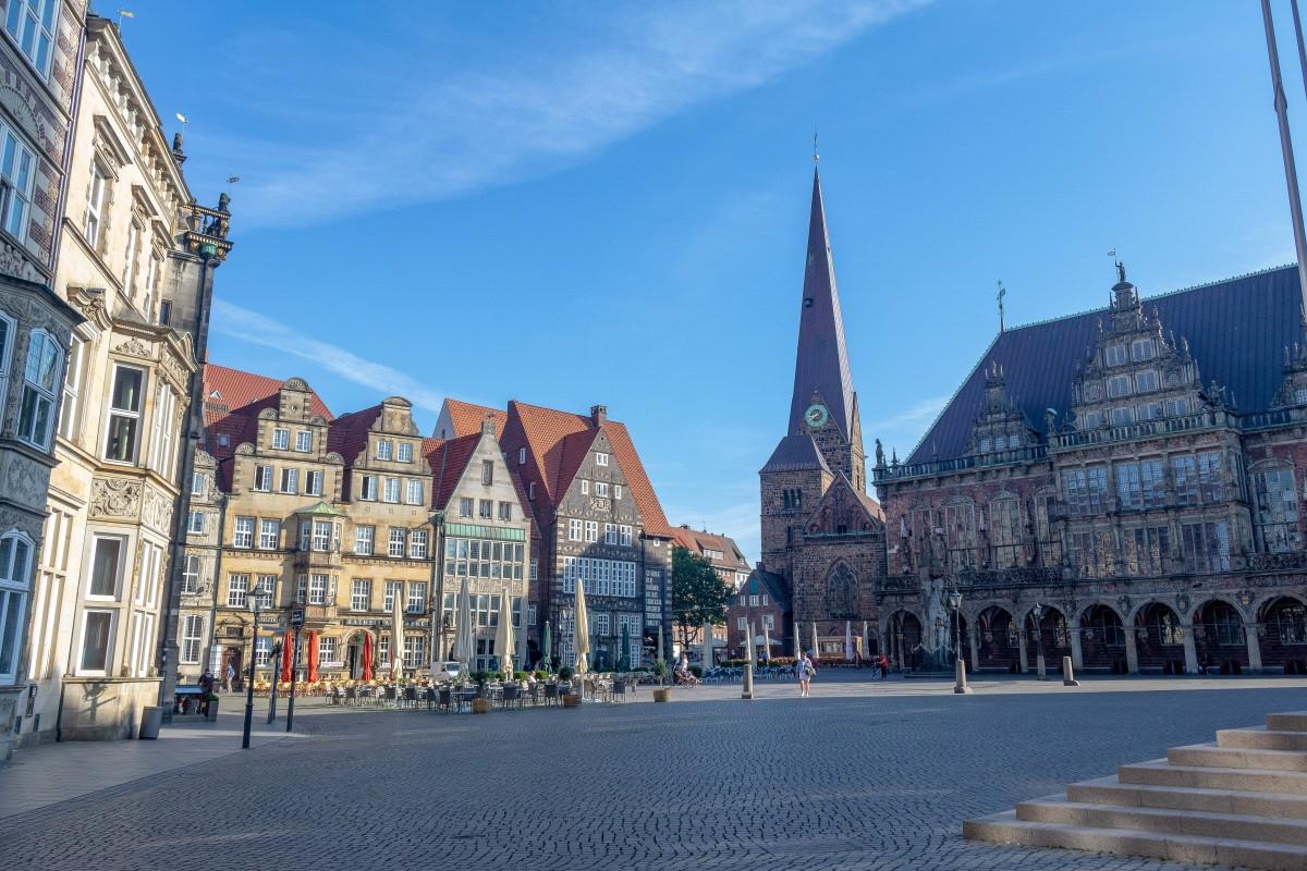 In Bremen mit Snapbus einen Bus bei einem Busunternehmen Bremen mieten.