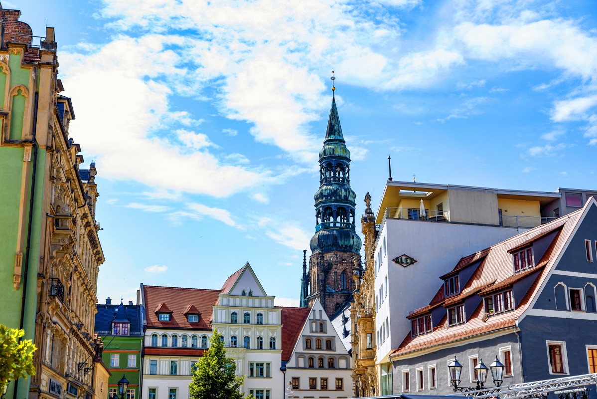 Mit Snapbus einen Bus bei einem Busunternehmen in Zwickau mieten.