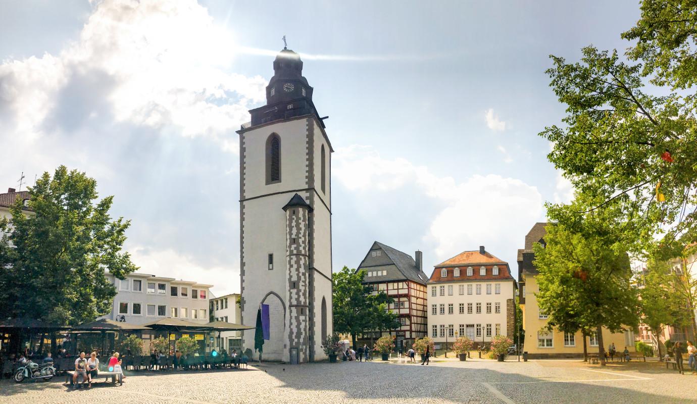 Mit Snapbus einen Bus bei einem Busunternehmen in Gießen mieten.