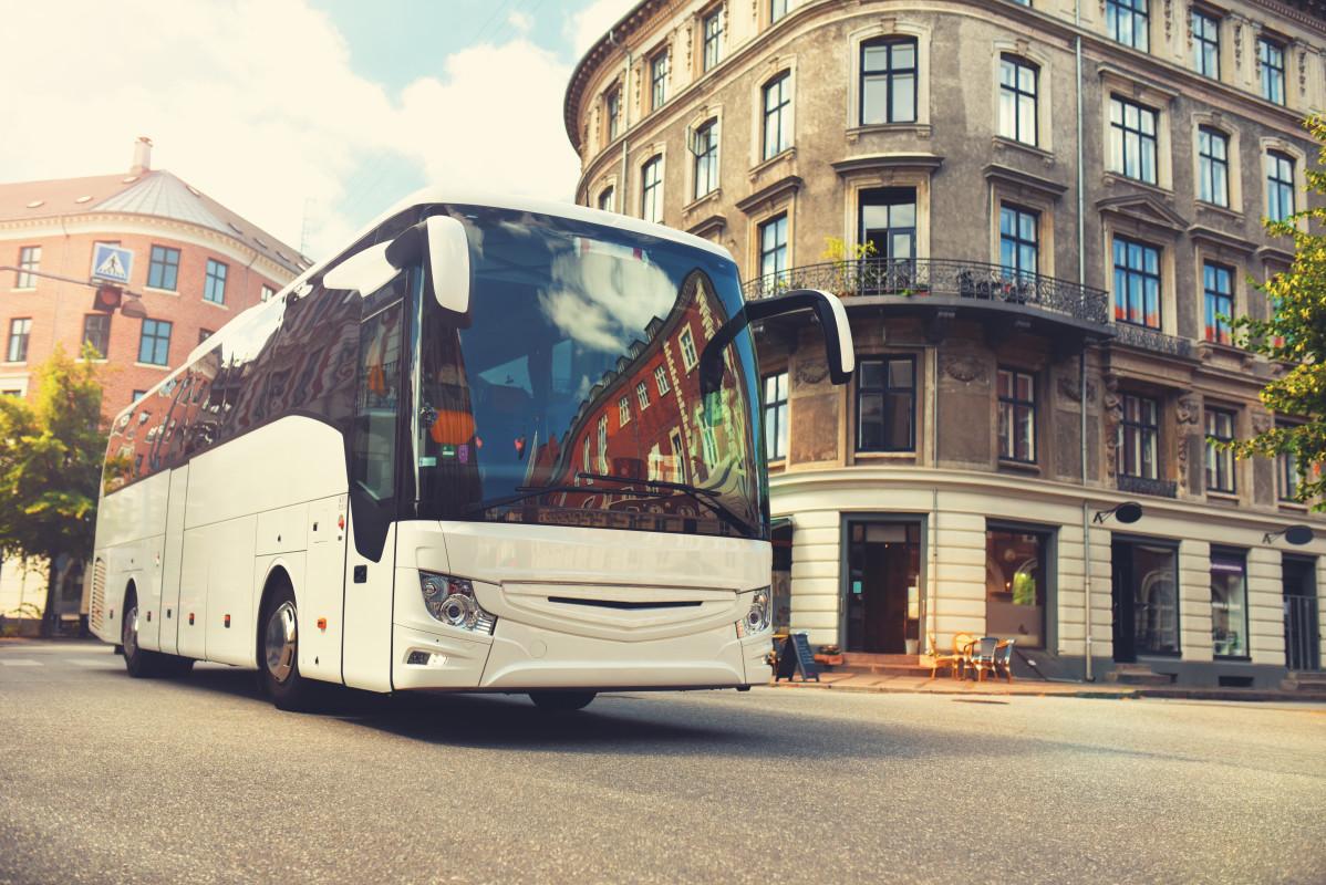 Miete einen Reisebus für eine Städtereise