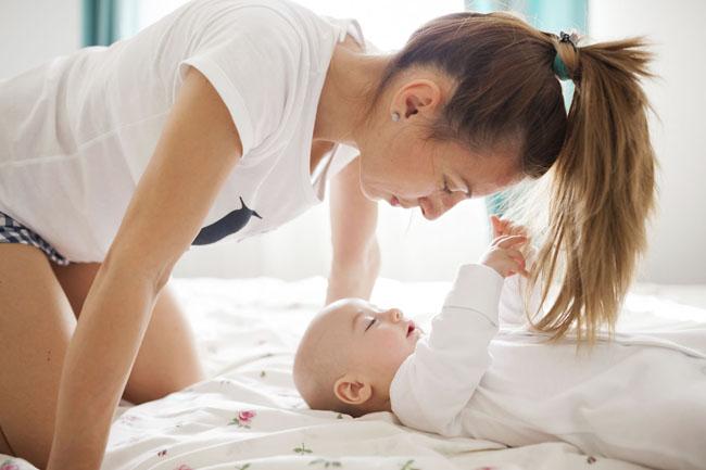Fire enkle hårtips for nybakte mødre