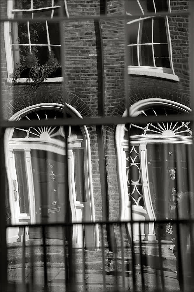 D534 - Georgian Reflections, Dublin.