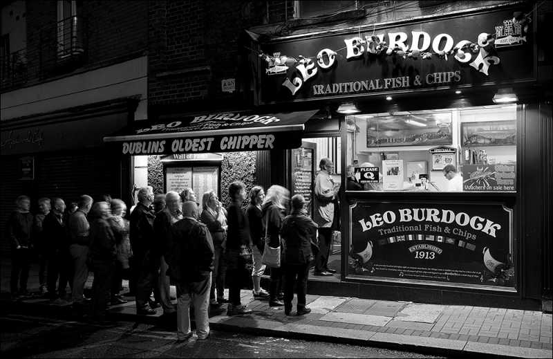 D553 - Original Leo Burdock's Chip Shop, Dublin.