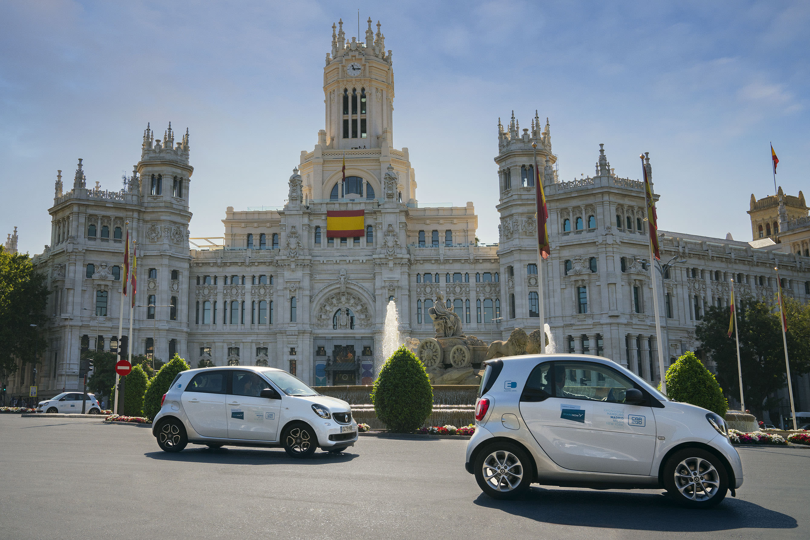SHARE-NOW-Carsharing-madrid-cibeles