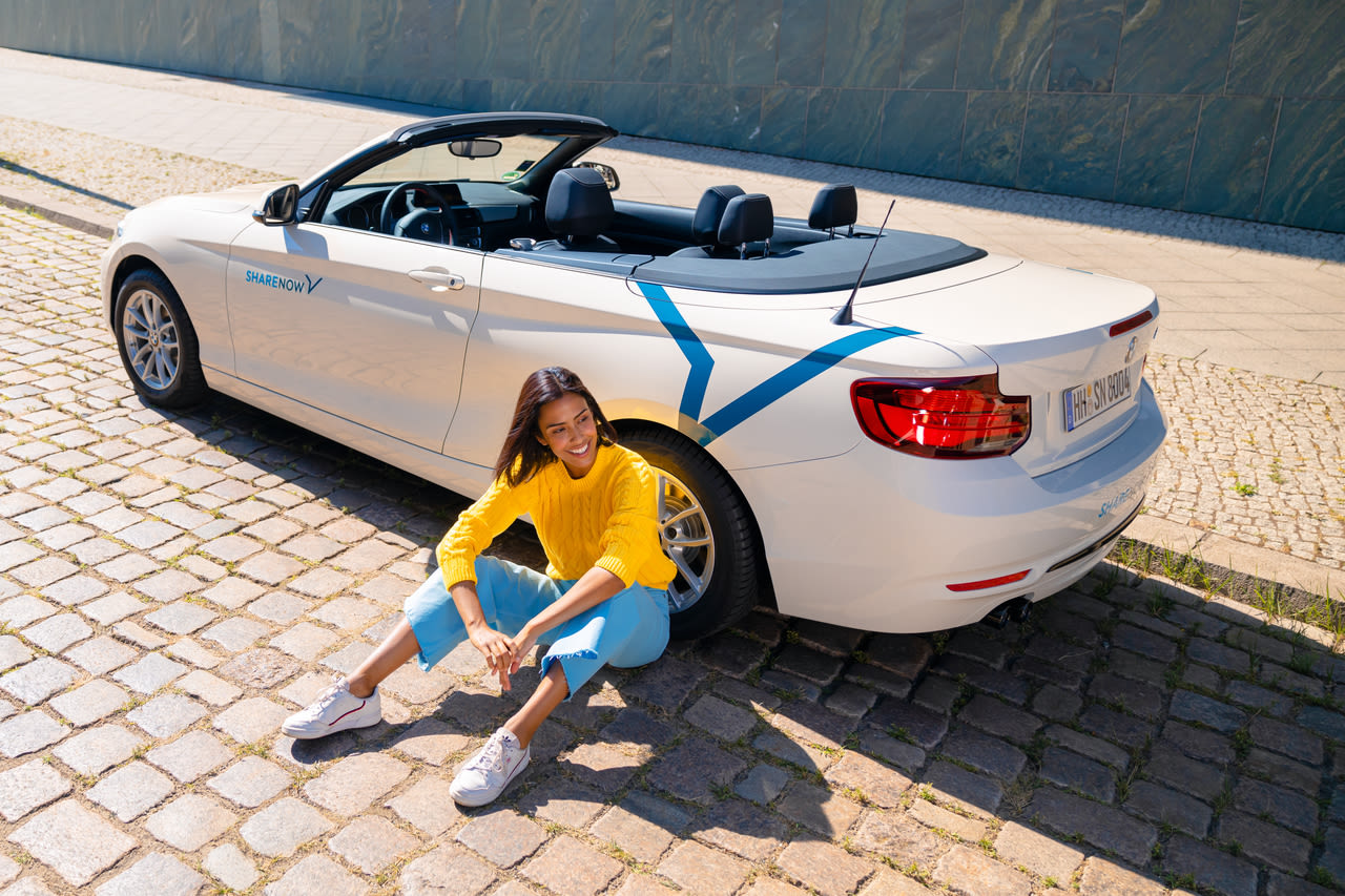 bmw-full-convertible-girl