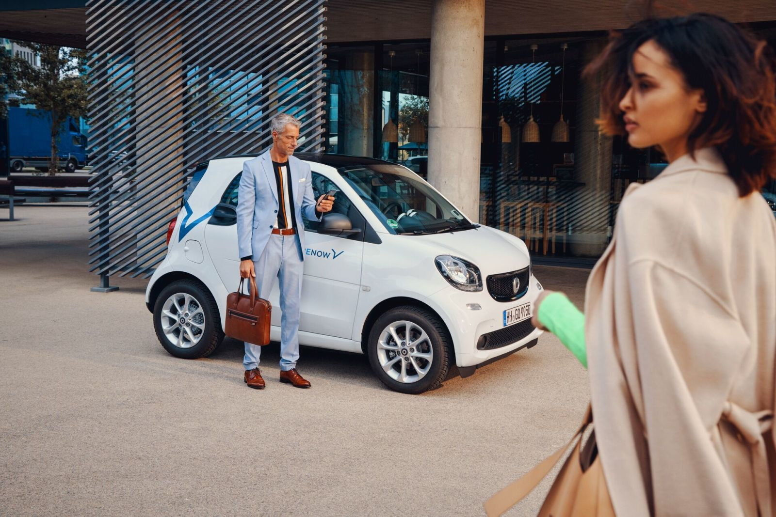 Standing by SmartForTwo