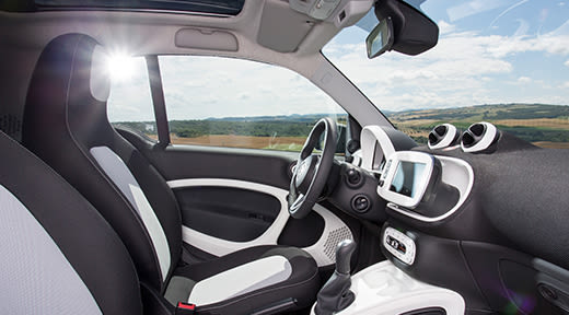 cars-smart-fortwo-interior-2