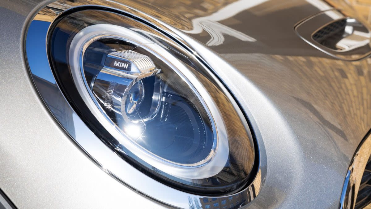 mini-cooper-headlights
