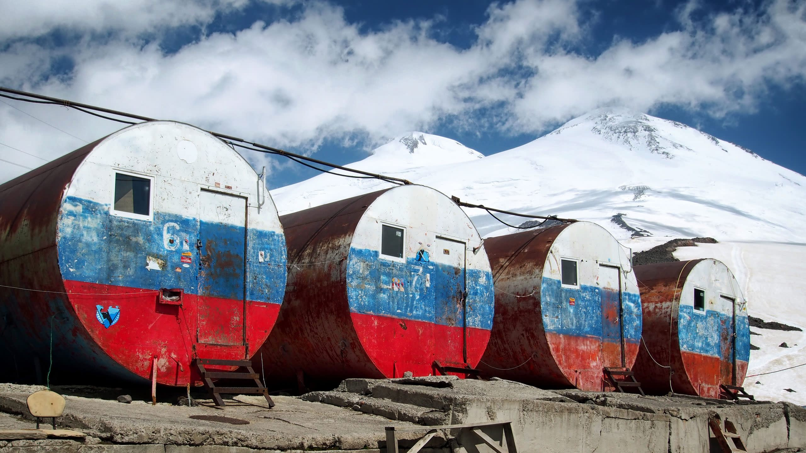 Elbrus, The Barrels