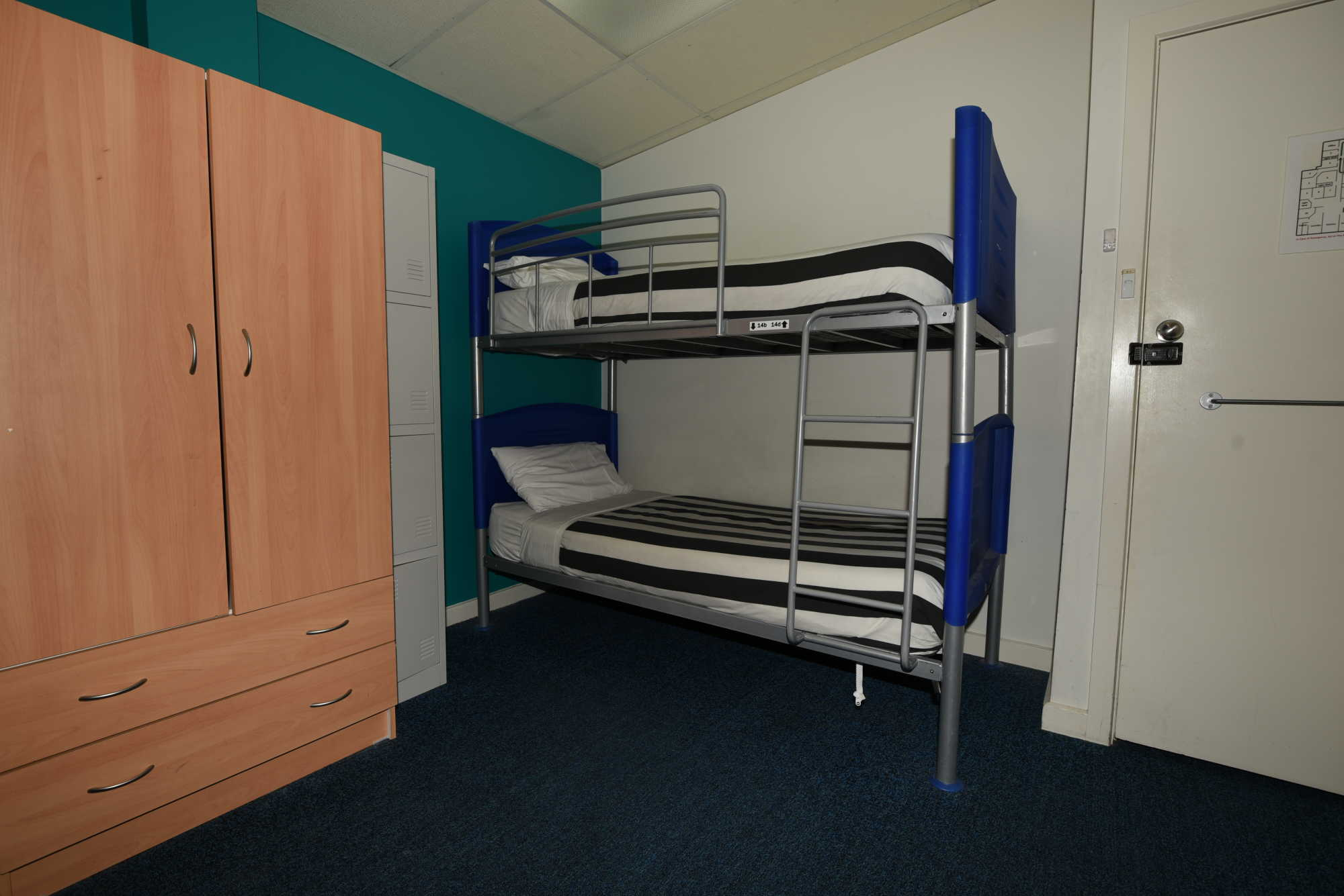 single-bed-in-mixed-dormitory-room-2