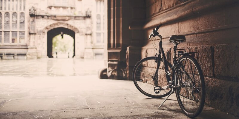bicycle-438400 960 720 (1)