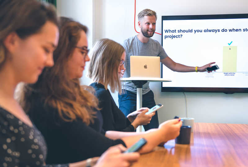 Quiz your audience during presentations - Mentimeter