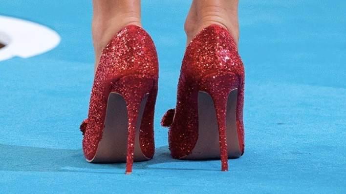 Yup, we've got serious shoe envy Dorothy... we mean Holly!