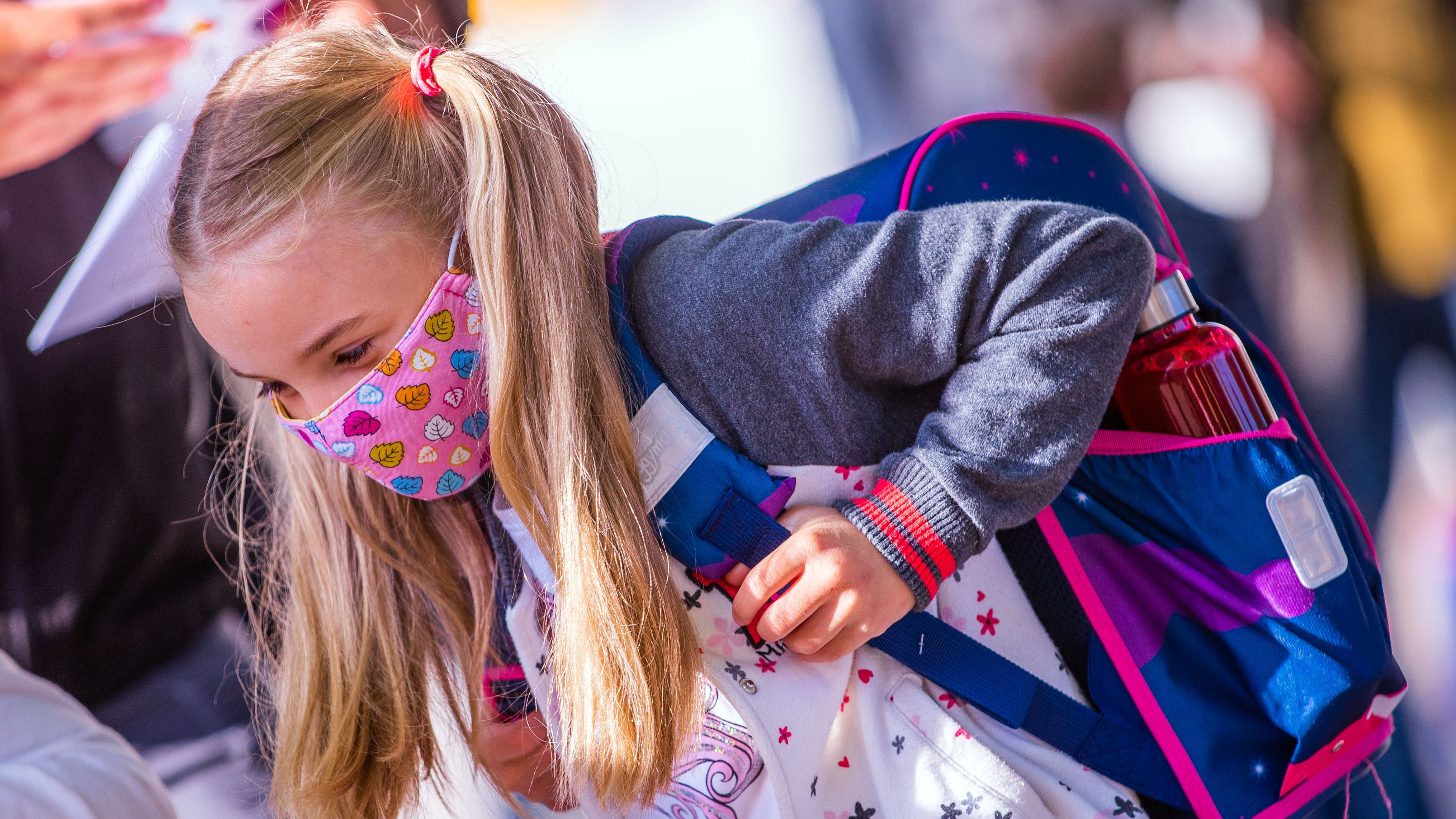 Primary school makes face masks mandatory for pupils | This Morning