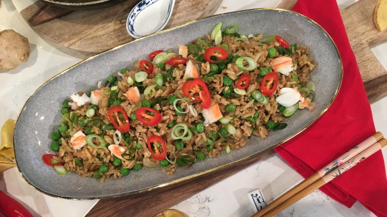Gok and Kwoklyn Wan's king prawn wanton soup | This Morning