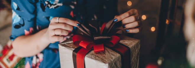 How to Talk About Money with Your Partner During the Holidays