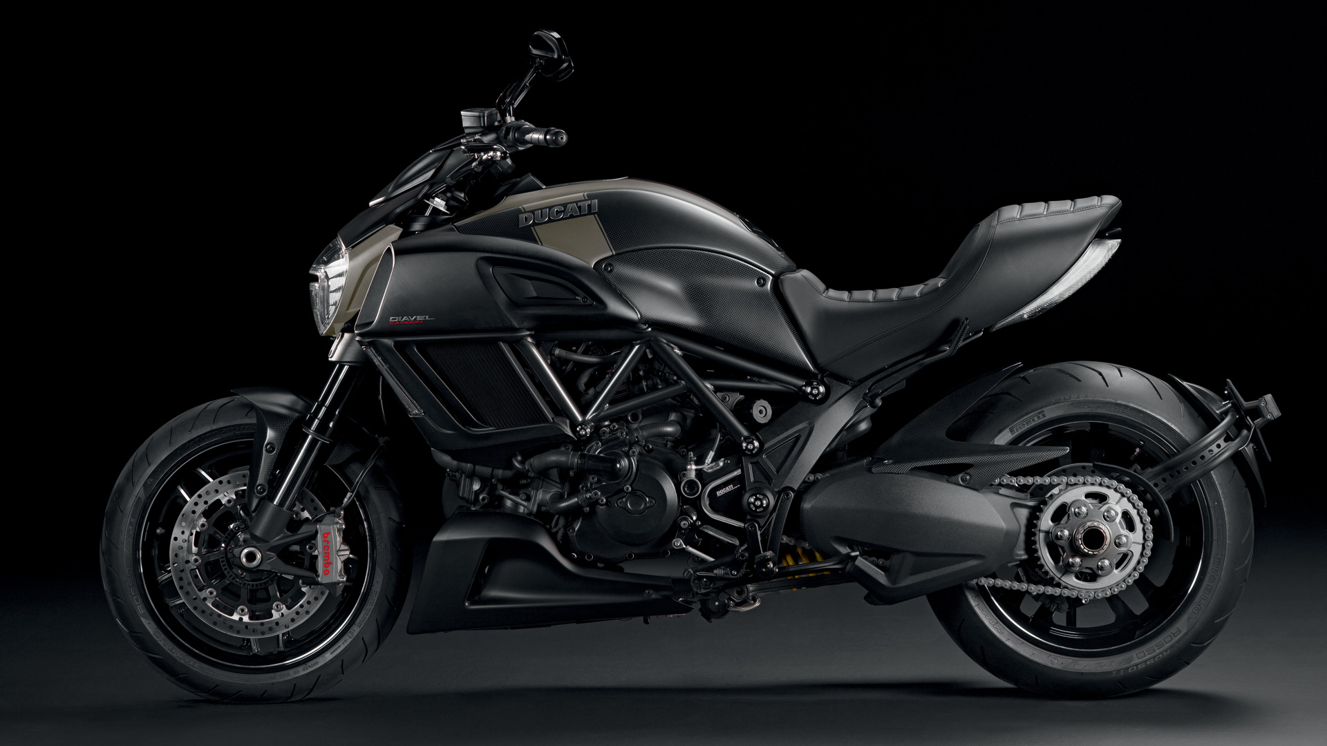 Ducati Diavel  Vs
