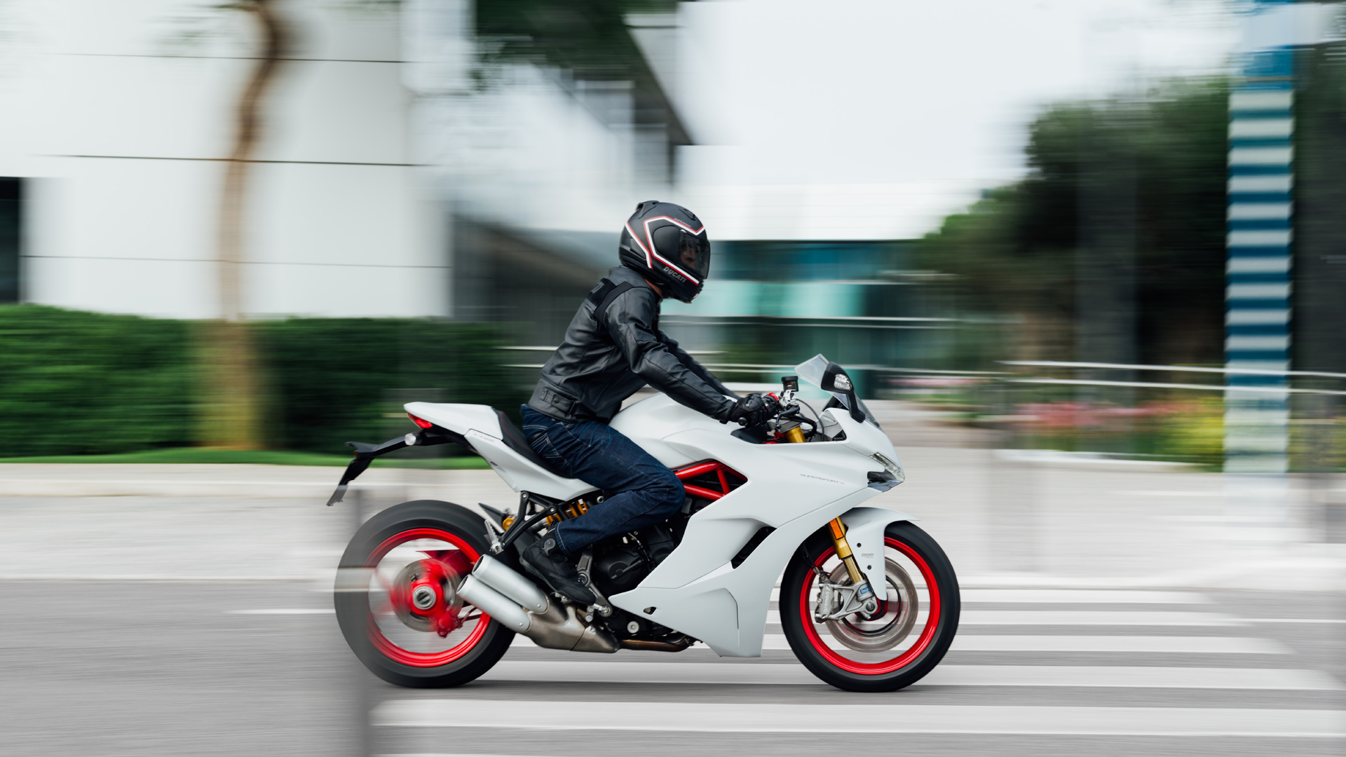 Ducati Supersport The Energy Of Sport Wherever It Goes