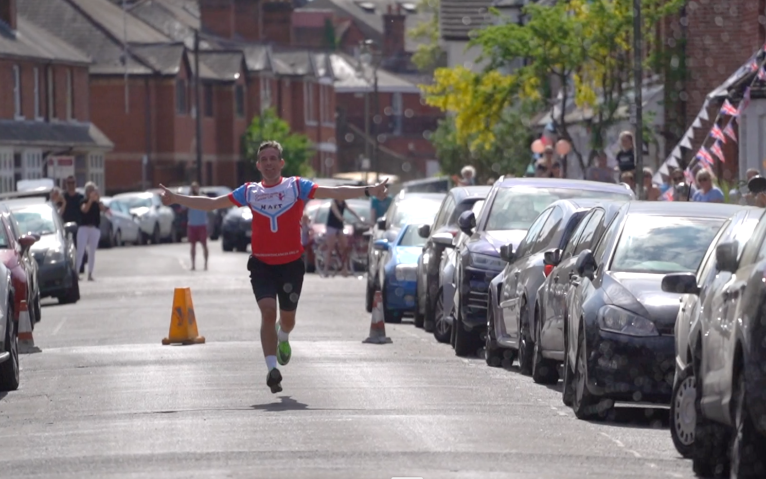 Matt Thomas completes his neighbourhood marathon