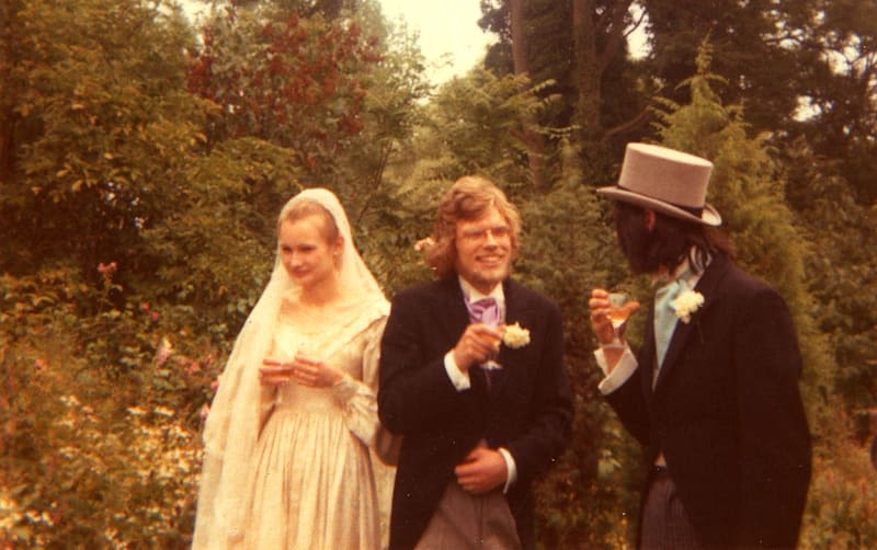 Richard Branson with his childhood friend Nik Powell at his wedding with wife