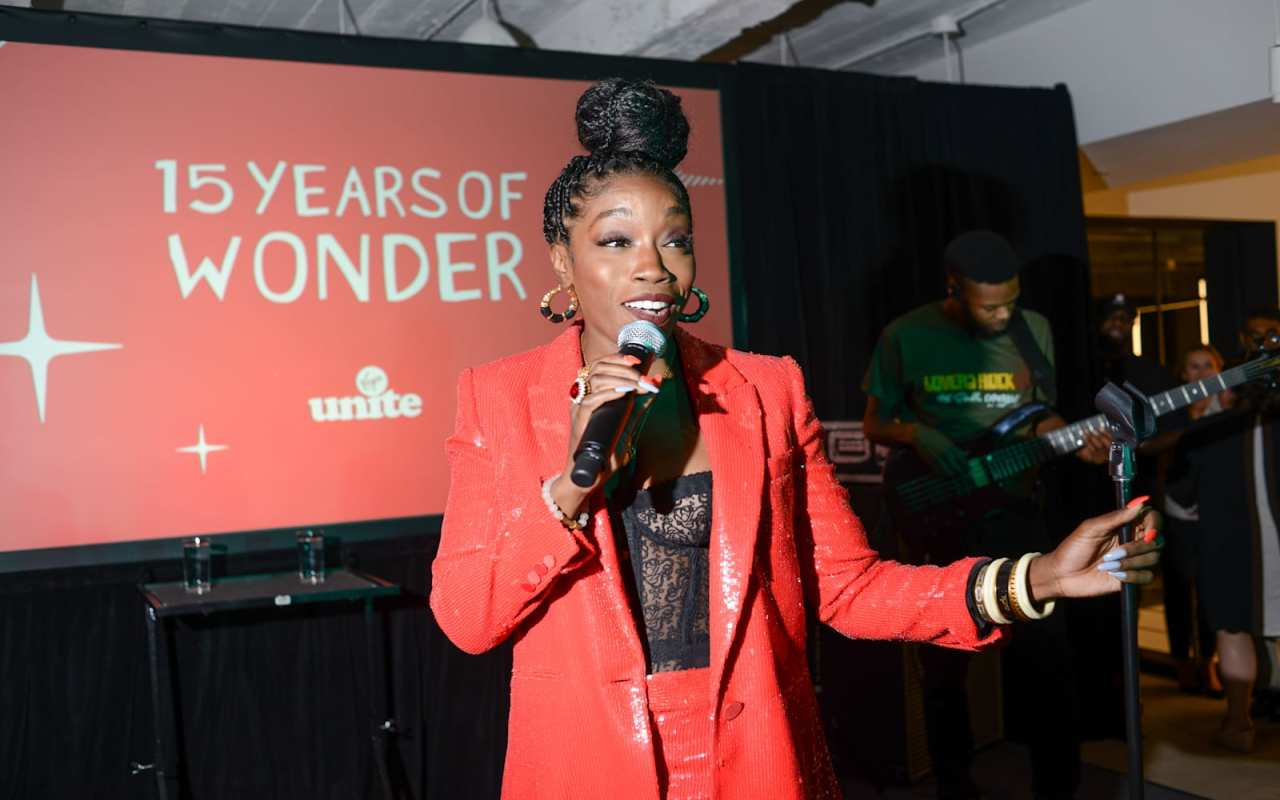 Estelle performs at Virgin Unite's 15 Year's of Wonder celebration