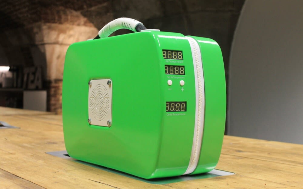 A green portable incubator prototype from mOm Incubators
