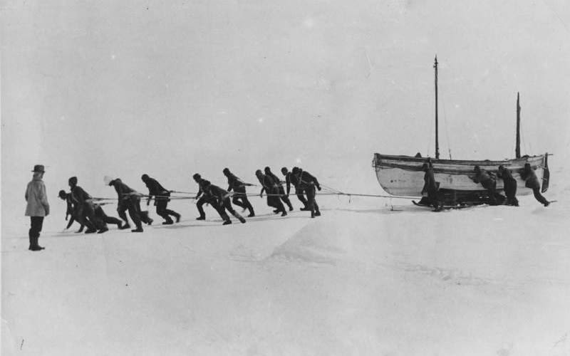 Black and white photo of Ernest Shackleton and crew