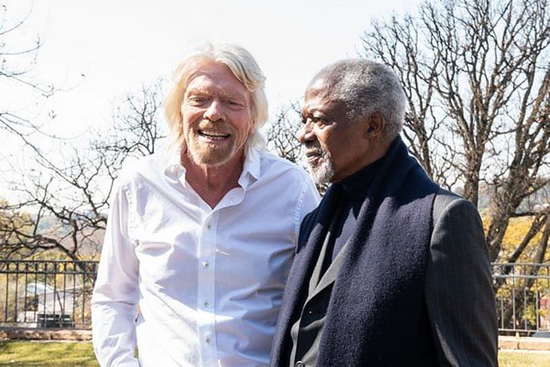 Richard Branson speaks to Kofi Annan