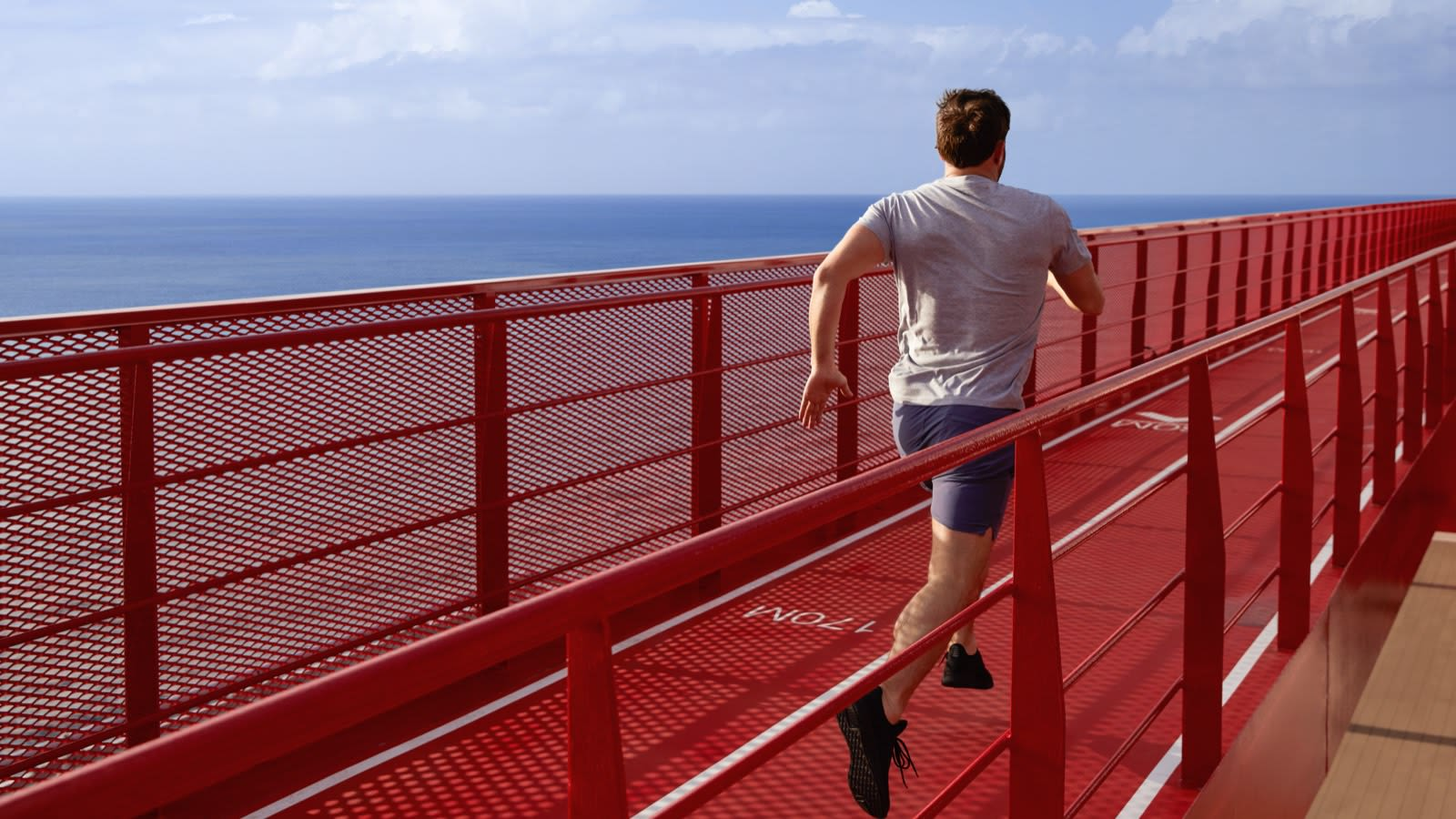 virgin-voyages_2021-04_running-track-exterior-lifestyle-male-runner