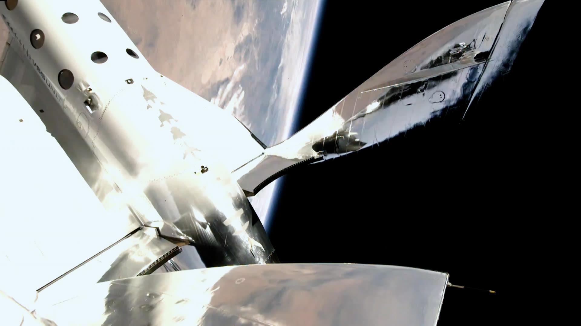 VSS Unity no espaço durante o voo de teste da Virgin Galactic # Unity22