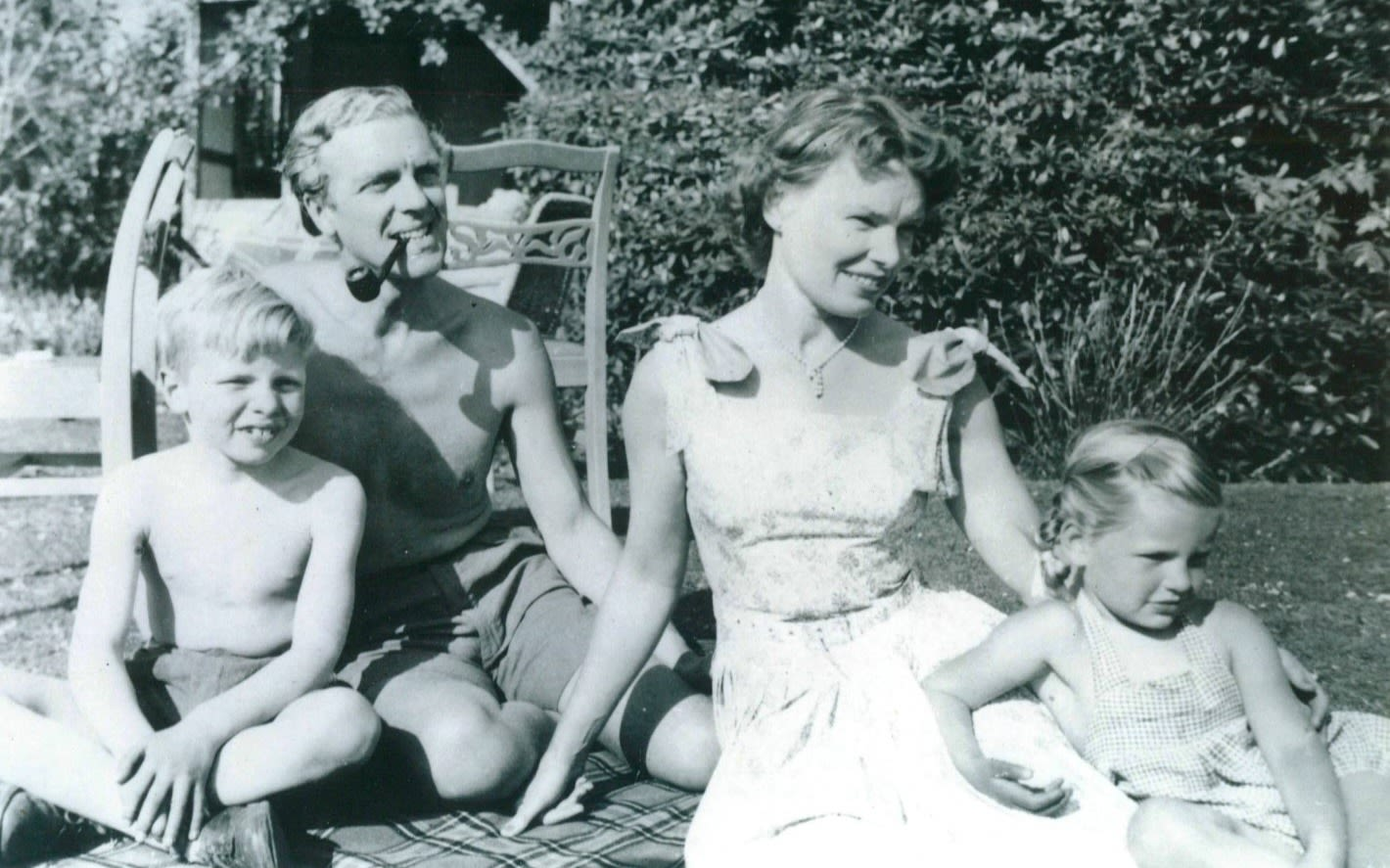 a family photo of Richard Branson from when he was a young boy