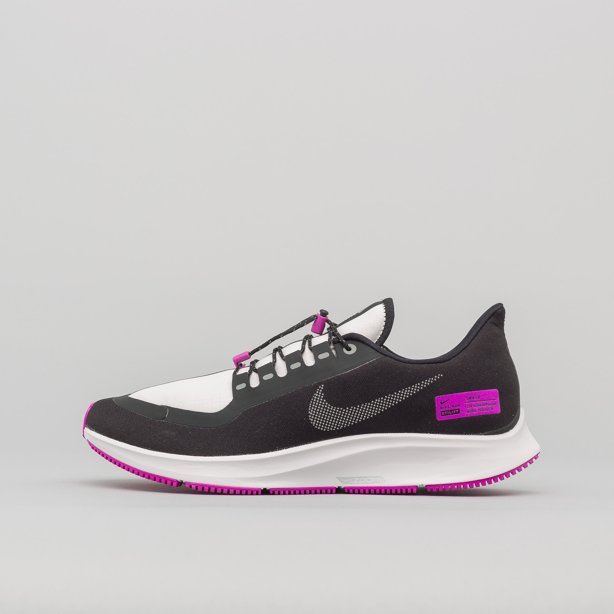NOTRE-CHICAGO-NIKE-AIR-ZOOM-PEGASUS-35-SHIELD-NRG-3018 2048x2048