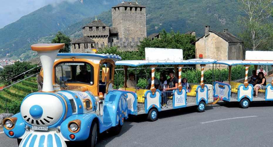 mys-Giro dei Castelli col Trenino Artù-Bellinzonese e Alto Ticino Turismo - Il trenino Artù (11).jpg