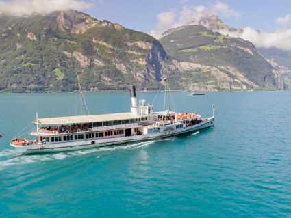 Schifffahrt Gotthard Panorama Express