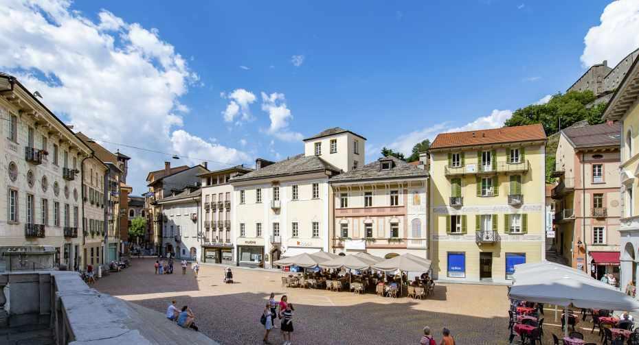 mys-Besuchspaket Bellinzona und seine Burgen: BellinzonaPass und Stadtführung der Altstadt -Bellinzonese e Alto Ticino Turismo - collegiata-01.jpg