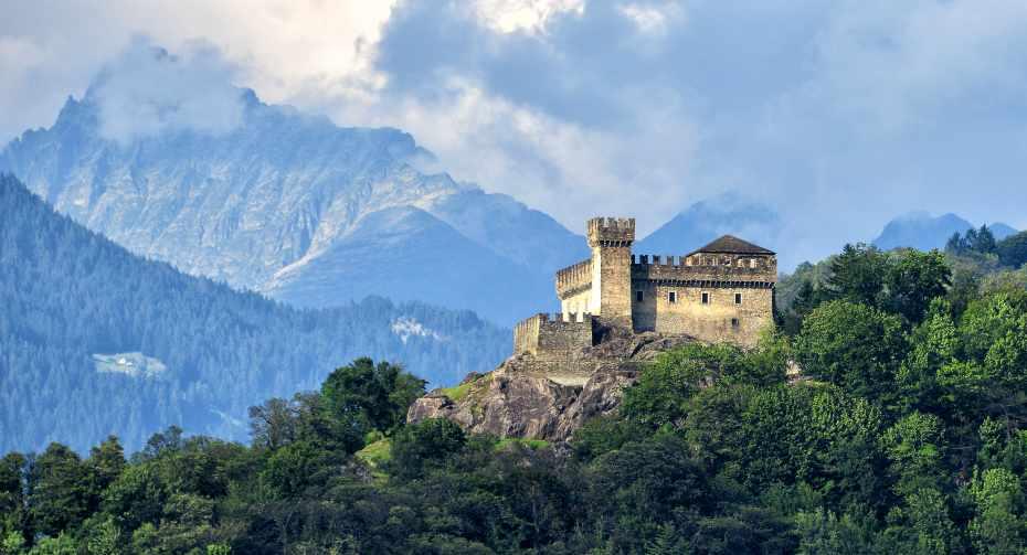mys-Bellinzona Pass-Bellinzonese e Alto Ticino Turismo - Castello Sasso Corbaro_Coypright Bellinzonese e Alto Ticino Turismo - Copia.jpg