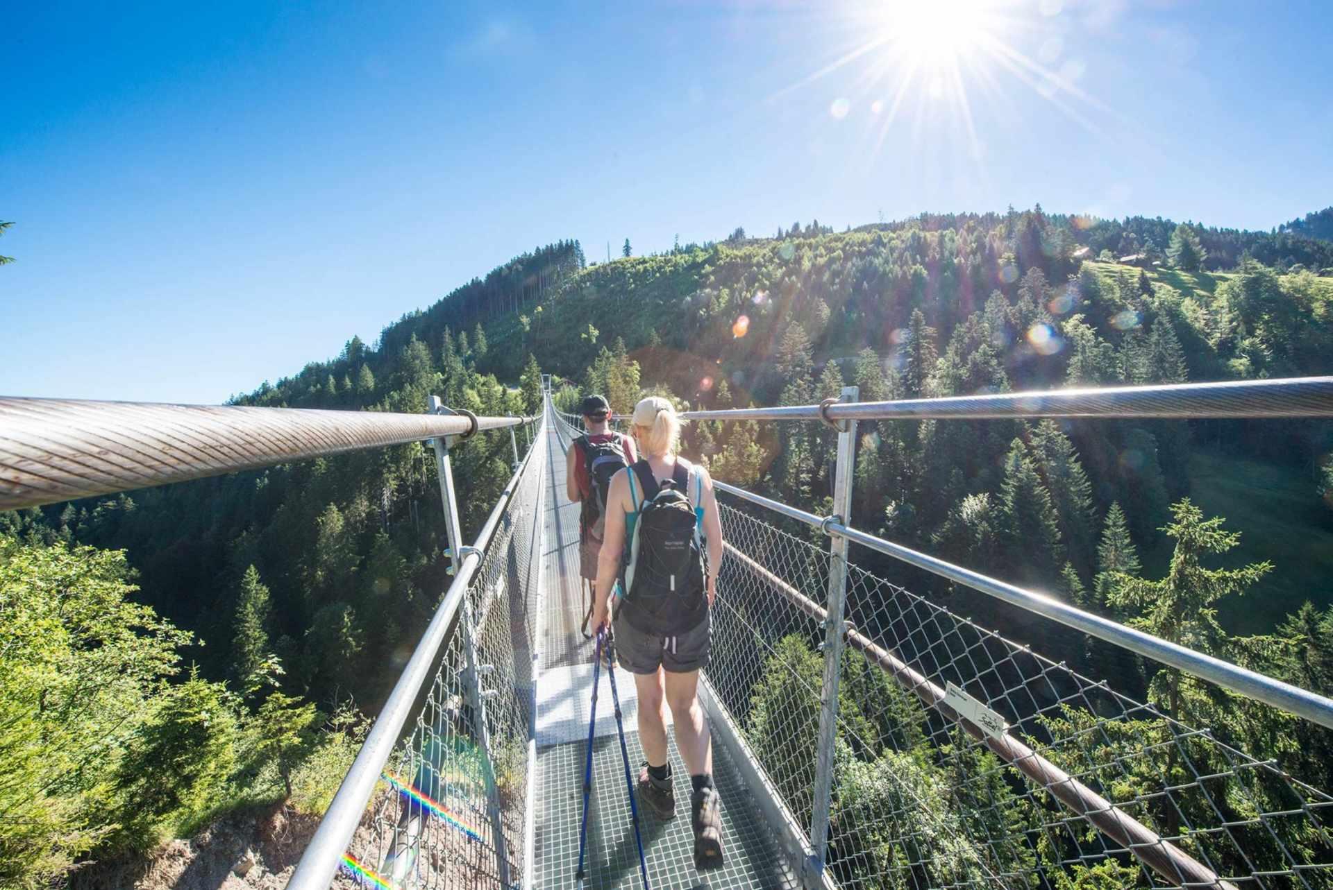 Schwyzer Höhenweg: Skywalk Sattel-Hochstuckli