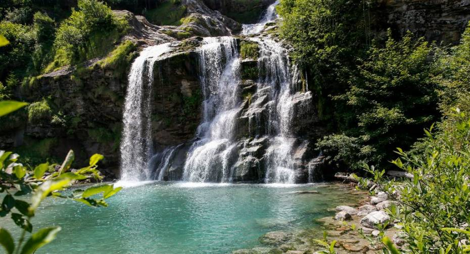 Low quality_Cascata_copyright Ticino Turismo - Loreta Daulte.jpg
