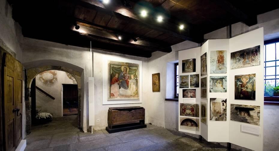 Palazzo Landfogti_Artigianato artistico.JPG