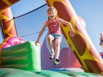 Hüpfburg im Kinderland auf Sattel-Hochstuckli