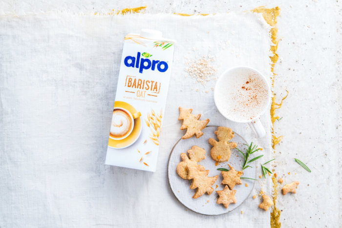 Heavenly Festive Biscuits with a Spiced Latte