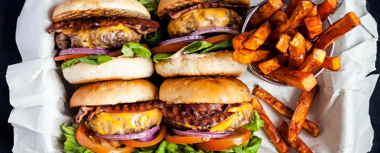 goda tillbehör till hamburgare