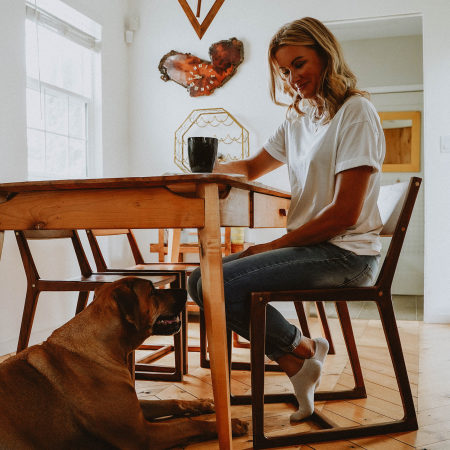 NF Dog Owner Dining Coffee 0820