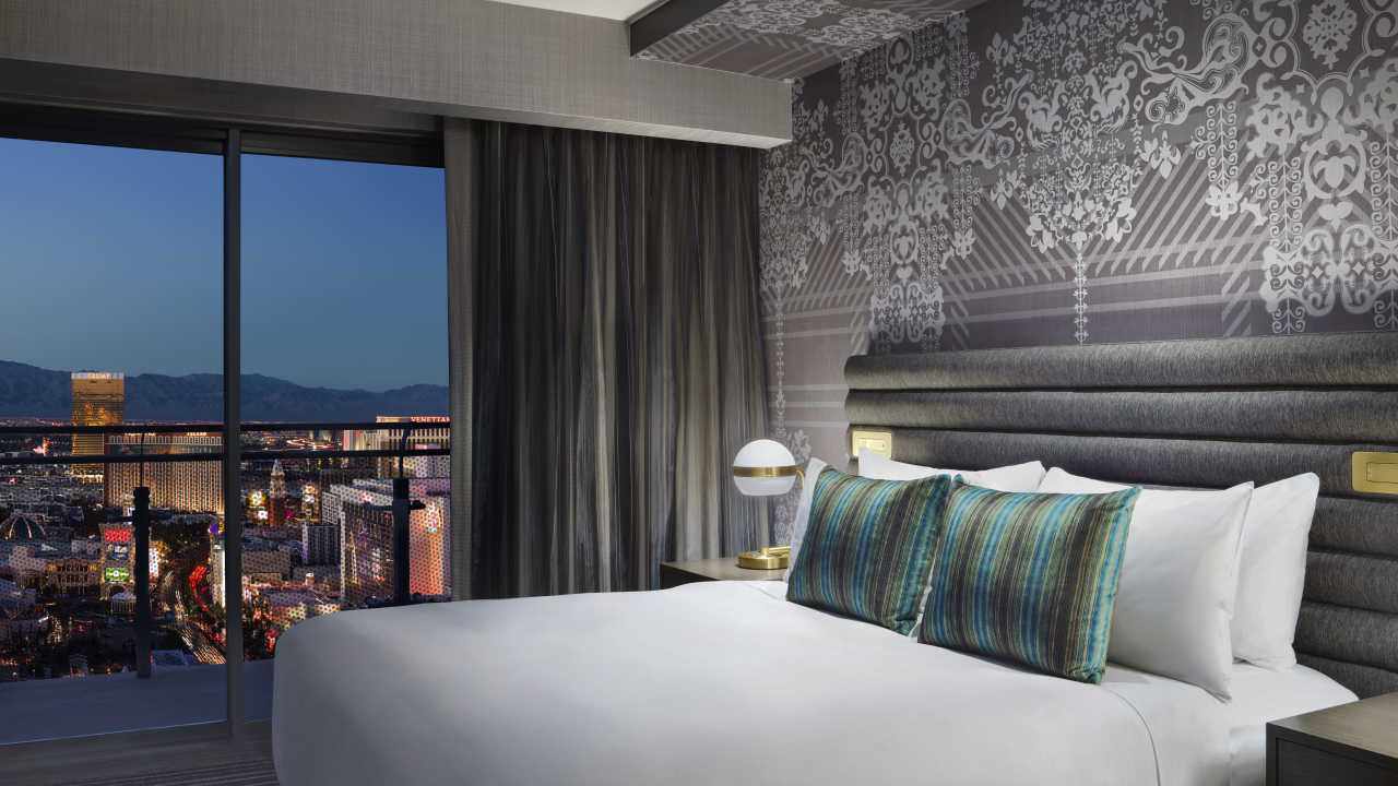 Las vegas luxury hotel the cosmopolitan for Cosmopolitan terrace one bedroom fountain view